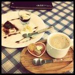 エクスペリエンス カフェ - ランチのデザートとドリンク