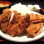 三河屋 - ミックス(950円)※ハムかつ1枚、チキンかつ1枚、コロッケ1個