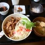JA上野村 琴平センター - いのぶた生姜焼き丼