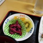 曙 - 唐揚げ定食はデザート付