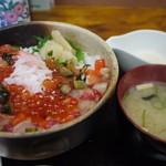 いち乃家 - 料理写真:バラちらし丼