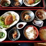 土間家 - 料理写真:肉汁メンチカツ定食