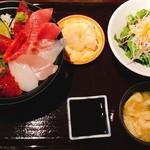 85440967 - ディナー                       海鮮丼 1,800円税抜