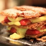 ルタオ パトス - サクサク生地に甘ーいイチゴと特製カスタードクリーム♪