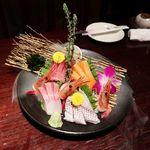 くつろぎの和食個室居酒屋 響き - 新鮮旬魚お刺身盛り合わせ 五点盛り