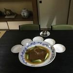 中国精進料理 凛林 - 何せ大きい翅