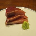 85445177 - 造里1:鰹の腹 醤油 山葵2