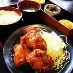 どんちゃん食堂 - 料理写真:唐揚げ甘酢アン定食