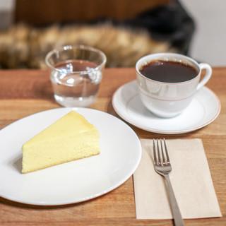 もなか珈琲 - マンデリン、チーズケーキ