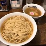 85449719 - 【2018年04月】鶏×魚介 味玉あつもり@950円、麺は『特』‼️