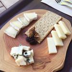チーズ専門店ポルタム - おまかせ3種盛り