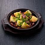 ホタルイカとジャガイモの陶板焼き