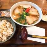 沖縄料理 なんくるないさ -