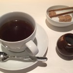 YAKIYAKIさんの家 AKASAKA - コーヒーが付いてくるのでゆったりと過ごせます。