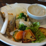 85457714 - *バーニャカウダソースが用意されていましたので、お野菜に付けて。