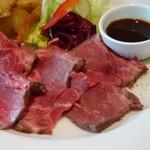 85457730 - 筋が多くお肉の味わいも好みではなく、一切れ頂いて残しました><