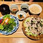 85474677 - 名物 桜山豚のざる蒸し御膳(1,480円)