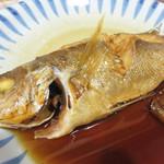 マルワ食堂 - ふっくらと煮えたお魚。 煮汁も濃すぎず、かと言って上品過ぎず、良い塩梅です。