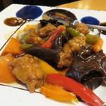 小料理 はかた伊達 - 黒酢のスブタ。