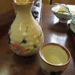 ファミリーれすとらん ひろせ 寿し正 - 萩の露 大辛口 燗酒一合 500円 (2018.4)