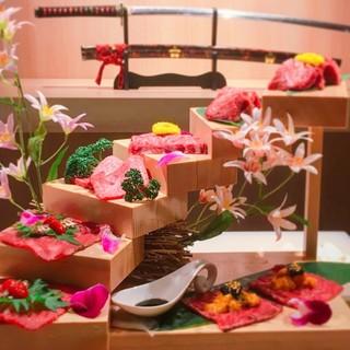 1日10組限定!大阪で話題の『花の階段盛り』2人前5000円
