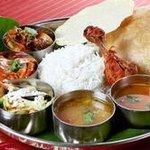 南インド料理ダクシン - 料理写真:南インドの肉料理プレート