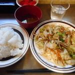 ティン・フック - 豚バラ野菜炒め¥680-