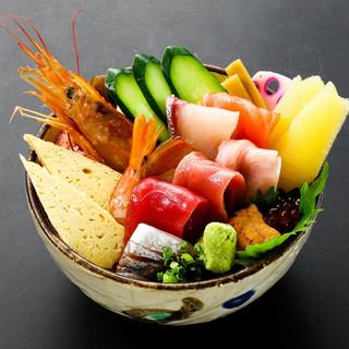 海鮮丼もございます。