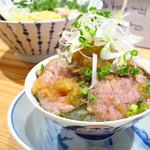 麺398-1 - ローストビーフ丼880円