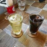アメリカンカフェ デンバーズ - ドリンク写真:アップルジュースとアイスコーヒー
