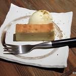 燻製バル モトカラ - 燻製チーズケーキ