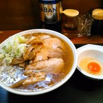 大勝軒 - 生玉子は50円。