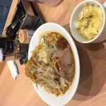 縄麺 男山 - カレーラーメンと炙チーズご飯