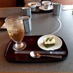 かごの屋 明石店 - 選べる甘味セット 抹茶ティラミスとジンジャーエール