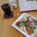 のんびりや食堂 - 料理写真:Aコースランチ1,680円(サラダ前菜とアイスコーヒー)
