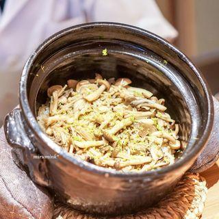 天満橋 藤かわ - きのこの土鍋ご飯