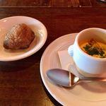 フランス食堂 清水 - 人参スープとリュスティック