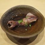 鮨 縁 - べいかを薄口の出汁で煮つけ。。