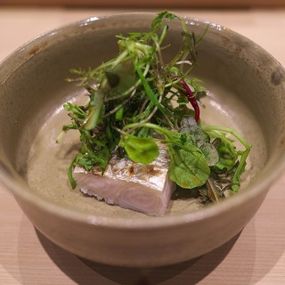 鮨 縁 - 料理写真:ハーブを乗っけて肉厚な太刀魚。
