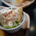ニーゴー カフェ - サラダも美味い!