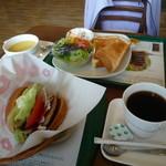 モスバーガー - モーニング野菜バーガー、ホットコーヒー、480円