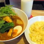 カリーアンドカフェ ガネーシャ - 【再訪2011-7】 トロ角煮&野菜(980円)