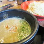 博多一幸舎 慶史 - マヨつけ麺800円/麺200g。鶏白湯×魚介×マヨネーズということらしいです。