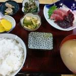 むらかみ食堂  - 刺身定食(1000円)