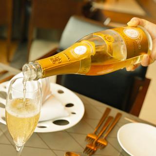 【ソムリエ厳選】10種以上のワインをバイ・ザ・グラスで