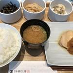 日本橋だし場 はなれ - 一汁三菜御膳(1,100円)