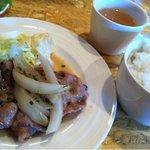 JOINキッチン - 生姜焼き ライス サラダ スープ付で700円