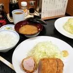 85540652 - ヒレ2400円+ご飯300円+豚汁200円