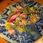 なっぱjuicy - 【シェフの気まぐれサラダ】 白身のお刺身とアスパラの弾む食感