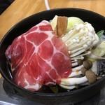 乃ざ喜 - 肉鍋定食